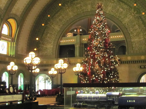 christmas tree st louis union station hotel