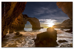Atardecer en Albandeira. (Francisco J. Prez.) Tags: naturaleza portugal nature water contraluz cielo algarve playas sigma1020mm pentaxart pentaxk5 franciscojprez flickrsfinestimages1