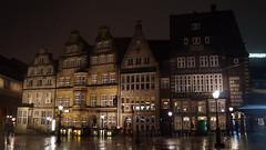 DSC04185 (kremer.christiane) Tags: germany alemania bremen noche night light luz contrast contraste typography tipografa rain lluvia street calle city