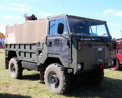 AVS 485N (Nivek.Old.Gold) Tags: 1975 land rover 101 forward control softtop 3500cc army