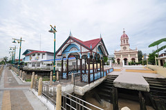 Wat Kalayanamit Bangkok tour_E10962075-003