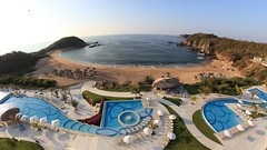 Conejos Bay, A View From Secrets Resort (kcezary) Tags: ocean travel vacation tourism canon landscape mexico outdoors bay coast holidays places playa paisaje oaxaca paysage landschaft       secretsresort canonprimelens conejosbay canon5dmkii secretshuatulco