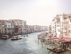 Venice ( Domitilla ) Tags: red blur andy beautiful 50mm bokeh x bianco solex 18105 lightx retrox marex bluex colorx blackx vintagex macrox texturex whitex stonesx nikonx d7000 dofx sunx woodx nerox collinsx focalx pebblesx
