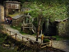Leccin de etnografa II (Geli-L) Tags: pueblo asturias mazo hrreo taramundi osteixois conjuntoetnogrfico oscoseo mygearandme mygearandmepremium mygearandmebronze mygearandmesilver