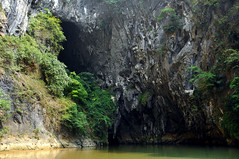 Limestone Cave  (MelindaChan ^..^) Tags: china reflection nature rock symmetry mel formation rafting limestone cave melinda qingyuan  chanmelmel melindachan