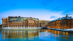 Riksdagshuset, Stockholm (s_p_o_c) Tags: sunset architecture night cloudy swed