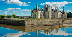 Chambord sur cosson (Paul Sjourn) Tags: sky france reflection castle saturation chambord chateau loire