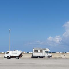 Formen in wei (Scoobay) Tags: camper himmel italien italy sea sizilien sky warm wohnmobil