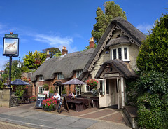 Shanklin Old Village, Crab Inn (AnthonyR2010) Tags: iow nexus5x island shanklin oldvillage village crabinn inn