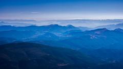 Monochrome depuis le gant de Provence (S@ndrine Nel) Tags: monochrome montventoux provence provencealpesctedazur vaucluse bleu blue nelsandrine