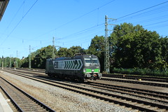 Locomotion 193 208 (vos.nathan) Tags: siemens vectron munchen passing br 193 baureihe 192 208 locomotion ell europian locomotive leasing