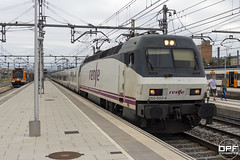 252-052 (Escursso) Tags: 252 252052 2520526 adif catalunya comarruga renfe svc santvicençdecalders siemens talgo tarragona trainspotting rail railway spain train tren
