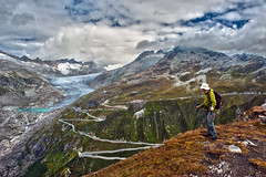Looking at the Klein Furkahorn and the Rhône Glacier . Canton Valais, Switzerland. No. 2103. (Izakigur) Tags: glacier swiss lasuisse laventuresuisse liberty switzerland dieschweiz d700 nikond700 nikkor2470f28 lepetitprince fixyou ch cantonduvalais kantonwallis wallis valais izakigur feel svizzera myswitzerland musictomyeyes flickr furkapass furka rôhne rhôneglacier belvedere hiking climbeverymountain 100faves 200faves uri kantonuri rhonegletscher rottengletscher topf25 topf400 300faves 400faves