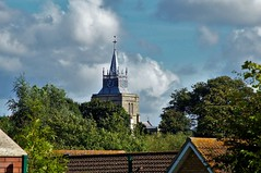 St.Mary's (dlanor smada) Tags: aylesbury bucks chilterns churches sky clouds rooftops