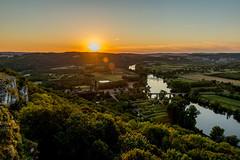 Sunset Dordogne (Lbfoot) Tags: dordogne france frankrijk rivier river sunset view landscape landschap trees water vacation sun yellow goldenhour nikond600 nikon nikkor2470f28 flair