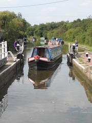 Grand Union Canal - Fenny Stratford (DarloRich2009) Tags: boats boat canal miltonkeynes lock path union bedfordshire junction company shipping barge narrowboat mk stratford waterway towpath canalboat grandunioncanal barges wyvern bletchley fenny canalgrand boattow fennystratford grandjunctioncanal boatcanal fennylock boatsnarrow boatnarrow wyvernshipping fennystratfordlock wyvernshippingcompany pathmkmilton lockwyvern companywyvern ltdgrand