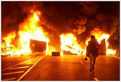 Madrid on fire (Libertinus) Tags: madrid espaa fire spain raw explore resistencia fuego tamron rajoy troika barricade 30d resistence feur huelga generalstrike barricada 14n huelgageneral