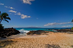 Makena Cove (Brett I Matthews) Tags: ocean sky cloud hawaii nikon secretbeach maui tokina molokini lightroom colorefex makenacove 1116mm d7000