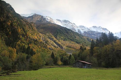 Lauterbrunnen valley, back end, in autumn.