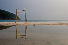 Redang Island - Gate To The Sea (zeta_flickr) Tags: beach canon paradise playa resort jungle malaysia isla redang malasia redangisland