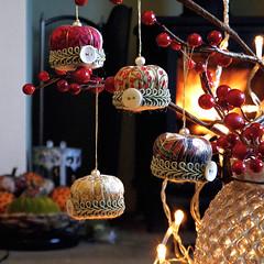 Christmas Crowns, Pincushion Ornaments (Wychbury Designs) Tags: christmas xmas uk red tree green set vintage gold handmade decoration cream ivory ornament fabric button crown etsy trim folksy wychbury