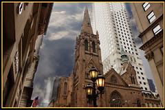5th Avenu 2 (Violette26) Tags: newyork building church streetlamp flag hdr 5thavenu
