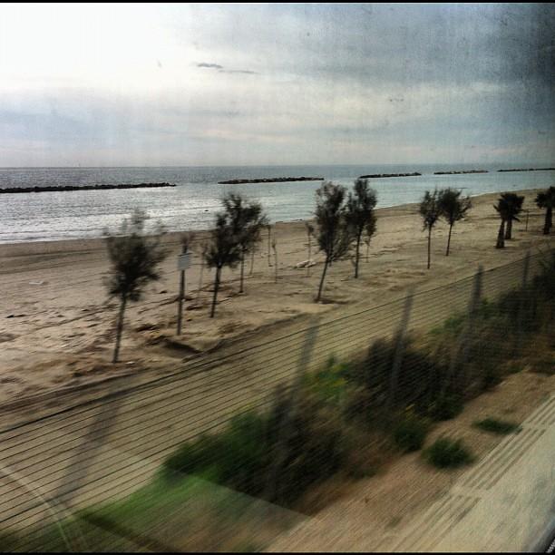 La spiaggia dal treno.
