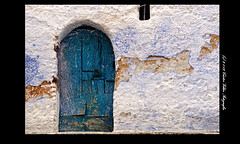 Puertas de Chefchaouen (Cstor Villar) Tags: door blue color colour azul photography photo foto photographer indigo chaouen chefchaouen marruecos marroc castor fotografo marroco fotografa puertas fotografos sabucedo chauen  xauen     cstor fotografosdeboda zocalomexicodf clasesdefotografia  fotosocial cursosdefotografia   fotosmascotas cstorvillar castorvillar blinkagain fotografosenvigo fotografiaenvigo fotografoscomunionenvigo cursosdefotografiaenvigo clasesdefotografiaenvigo cstorvillarfotografa marrocc chauenc castorvillarfotografia marruecosfotograficoes castorvillarfotografiaes fotografasocialenvigo wwwcastorvillarfotografiaes   wwwmarruecosfotograficoes