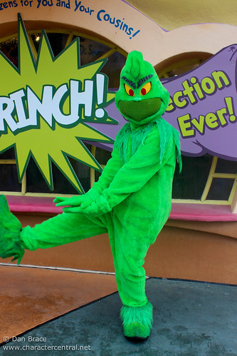 The Grinch At Disney Character Central