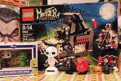 Melissa Love!  Lego vampire hearse (Ana Camamiel) Tags: halloween toys lego melissa gifts fingerpuppets juguetes minis nightmarebeforechristmas oogieboogie funko regalos pesadillaantesdenavidad thecoolestthingsever paradiseonearth dancingskeleton jackskelllington yourockmysocks toyheaven yougottobekiddingme monsterfighters
