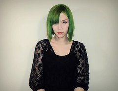 My first green hair photo :) (Faux Fox.) Tags: brazil black color colour green girl smile brasil hair photo makeup first exotic fantasy short brazilian shorthair colored alternative dyedhair halfsmile applegreen verdelimo alternativegirl fantasyhair exoticcolors