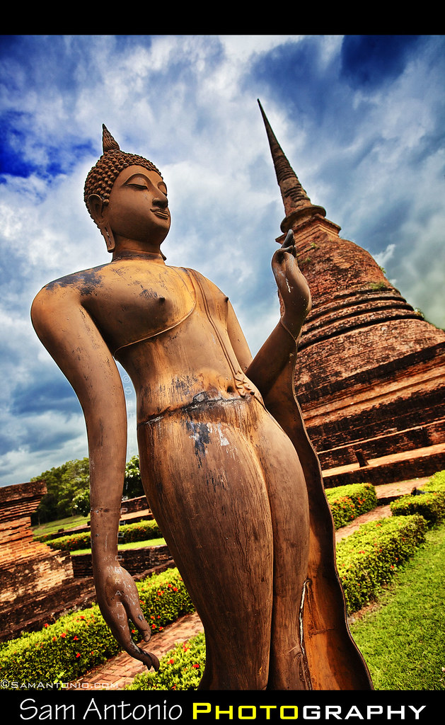 Five Reasons why I prefer Photographing Sukhothai, Thailand over Angkor Wat, Cambodia