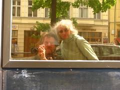 BERLIN 2010 pic025 (streamer020nl) Tags: camera reflection berlin ed mirror us spiegel 127 louise friedrichstrasse reflektion 2010 selfie reflectie luckystar selfies reinhardtstrasse selfus