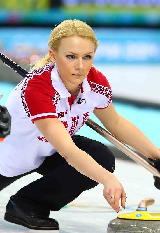 Women of curling sexy-6341