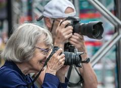 Madame Olympus et Monsieur Nikon (maoby) Tags: street city madame nikon montral olympus cameras rue ville monsieur d500 180mm