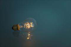 ...y se hizo la luz. (Jose Cantorna) Tags: bombilla luz light nikon d610