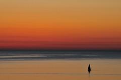 Aspettando l'alba (luporosso) Tags: natura nature naturaleza naturalmente nikond300s nikon alba sunrise marche mare sea cielo sky barca boat civitanovamarche