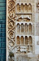 Spoleto - San Pietro extra moenia (Martin M. Miles) Tags: spoleto sanpietroextramoenia invincoli sanpietroinvincoli deer fawn snake peasant ox dog perugia umbria umbrien italy