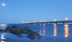 Blue hour shot Grmitz an der Ostsee (kalakeli) Tags: bluehour blauestunde nachtaufnahmen nightshots landungssteg landungssteggrmitz pier grmitzpier le longexposure langzeitbelichtung mond moon 25secs nd ndfilter nd09 nd8