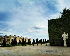 Versailles. France. (Bettinaincucina) Tags: instagramapp square squareformat iphoneography uploaded:by=instagram lofi igersfrance versailles versaillespalace traveling traveller viaggiando visitfrance visitversailles holiday vacanze bettinaincucina