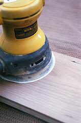 00540005-84 (jjldickinson) Tags: olympusom1 fujicolorsuperiaxtra400 roll396 promastermcautozoommacro2870mmf2842 promasterspectrum772mmuv wrigley wood cherry board printmaking woodblock mokuhanga woodgrain ganahllumbercompany dewalt sander randomorbitalsander powertool longbeach