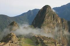 Machu Picchu (www.JnyAroundTheWorld.com - Pictures & Travels) Tags: prou peru macchu picchu macchupicchu urubamba cusco cuzco inca unesco inkabridge aguascaliente jny canon jnyaroundtheworld jenniferlavoura