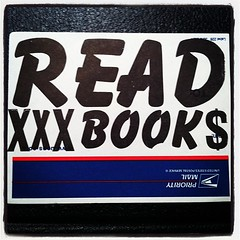 READER (billy craven) Tags: chicago graffiti sticker reader tag slap booker bluetop handstyles readmorebooks uploaded:by=instagram uspslabel228