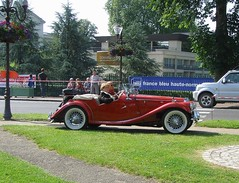 MG TC rouge (gueguette80 ... non voyant pour une dure indte) Tags: old red cars rouge convertible mg tc british autos fte juillet 2012 cabriolet anciennes redcars andelle anglaises forgesleseaux