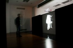 Muestra de Body Hack 2012. Videoinstalaci+¦n interactiva con audio y video en tiempo real. Mario Bastian