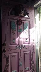 Handpainted front door, summer sun, pinkie - purple, Broadview, Seattle, Washington, USA (Wonderlane) Tags: 20160815102205 handpaintedfrontdoor summersun pinkiepurple broadview seattle washington usa funky decorative