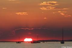 Ein letztes Nachglhen der Sonne (77PS) Tags: bregenz bodensee lakeconstance sunsetsteps vorarlberg uppereastside sunset sonnenuntergang bregenzerhafen molo mole