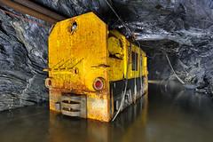 Locomotive (flallier) Tags: mine souterraine cuivre underground cooper locomotive locotracteur tunnel eau inond tuyaux diesel aircomprim jaune yellow industrie industriel industrielle galerie traversbanc tb