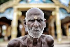Skinny (cisco image ) Tags: srilanka achchuveli portrait ritratto man skinny soul presenze presence eyes soulsound canon6d eos sigma35mm f14 art glance