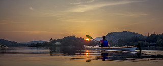 The kayaker and the sunset - DSC05213